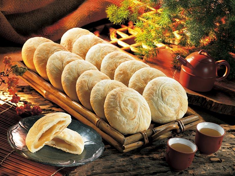 以麥芽糖為餡,製成甜而不膩、皮薄、酥香、入口即化的太陽餅